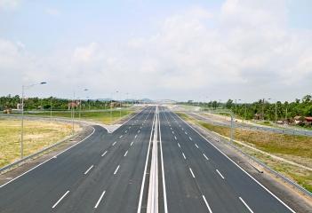 Điện chiếu sáng cao tốc Hà Nội - Hải Phòng (105km)